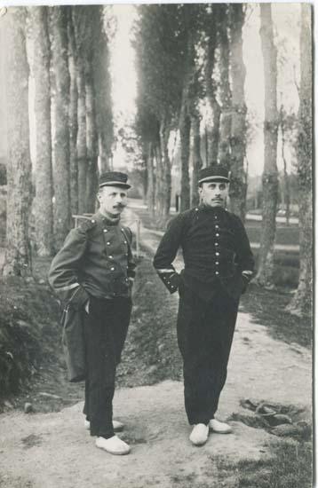 http://www.jeromeagostini.fr/1418/_FORUMS/1913_CampDeBouconne.jpg